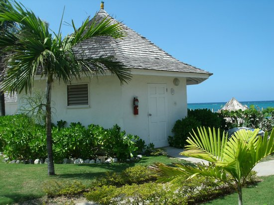 Royal Decameron Club Caribbean:                                     Oceanview cottage