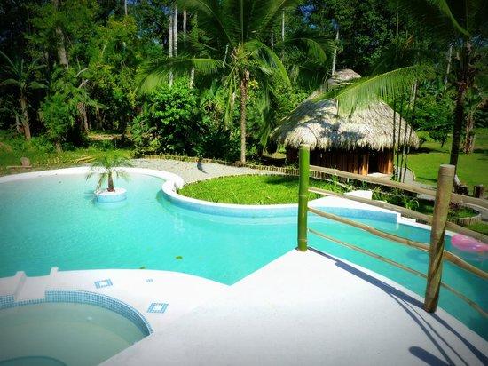 3 Bamboo: piscine et rancho