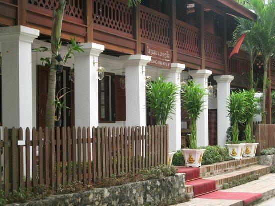 Mekong Riverview Hotel : façade de l'hôtel