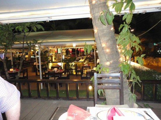 Nazri Resort Hotel:                                     bar