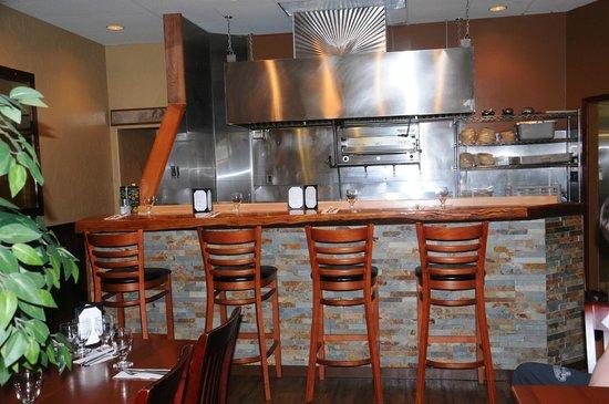 Acropolis Kuizina: Chef's Bar
