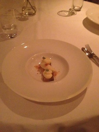 Bellevue Groothoofd:                   the banana dessert - mouse, ice cream and two layers cake