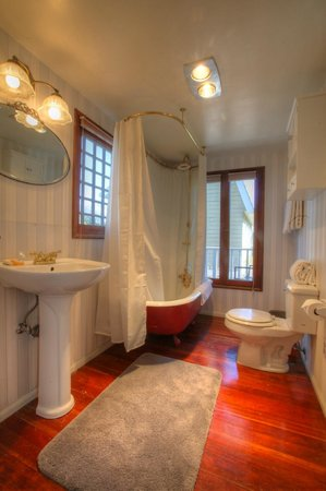 Bath Street Inn: Partridge Bathroom