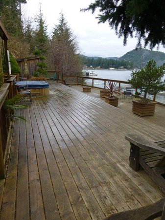 Sunshine Coast Resort Hotel & Marina:                   Deck with Hot Tub