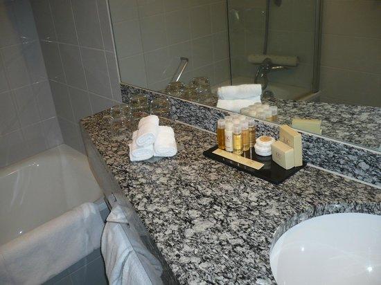 K+K Hotel George:                   la salle de bain