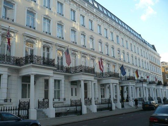 โรงแรมเคพลัสเคจอร์จ:                   la façade de l'hôtel