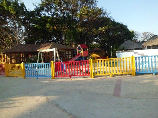 Piscine piscina pool picture of gran caribe club villa for Club piscine shawinigan
