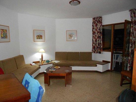 Datasol:                   Living room