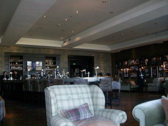Cameron House on Loch Lomond:                   Bar