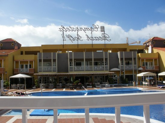 Compostela Beach Resort - Golf III :                   The pool( no more than 3.1/2 ft deep.Kiddies separate).