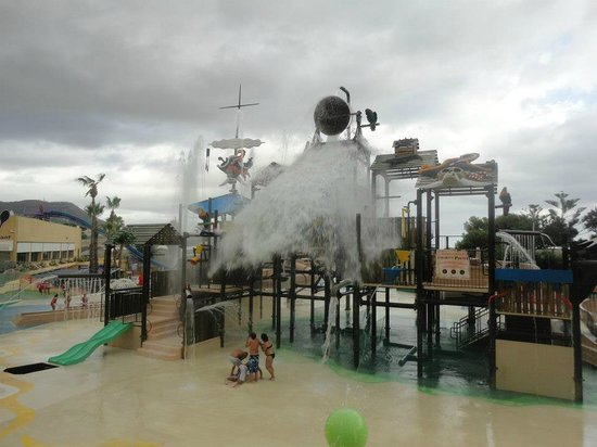 Vilassar de Dalt, สเปน:                   el balde de agua refrescante!! ;)