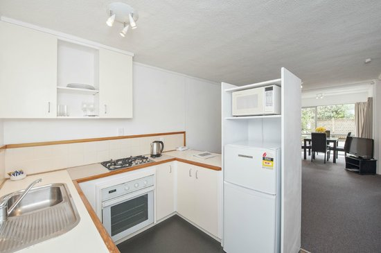 City Towers: Kitchen