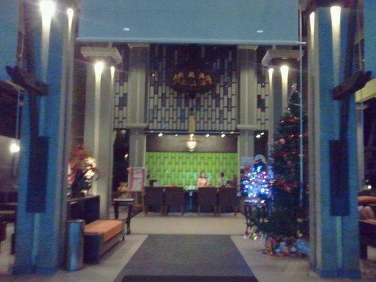 Ananta Burin Resort: Gorgeous Lobby