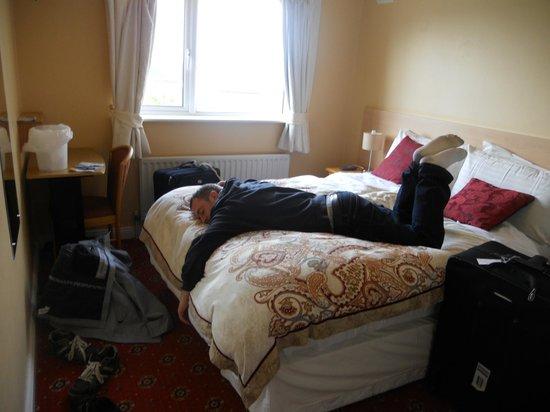 Windsor Lodge:                   Rest after a LONG flight.