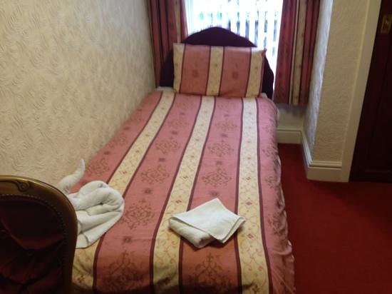 The Albany Hotel on Albert Road:                   clean and comfortable beds