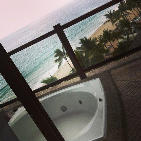 Hyatt Ziva Puerto Vallarta:                                     Vista habitación con jacuzzi