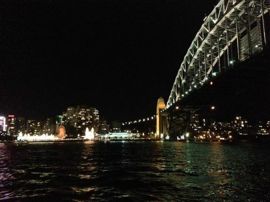 Pier One Sydney Harbour, Autograph Collection:                   Harbour Bridge