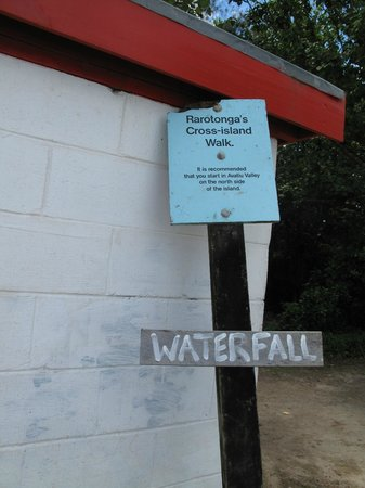 Sign showing where the road is to Wigmore's Waterfall