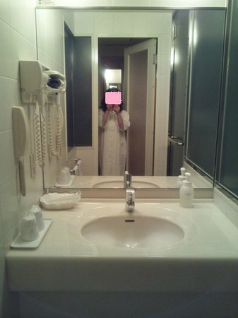 HOTEL Mielparque Nagano:                   洗面コーナーも清潔