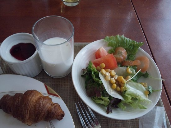 HOTEL Mielparque Nagano:                   朝食のバイキングです。