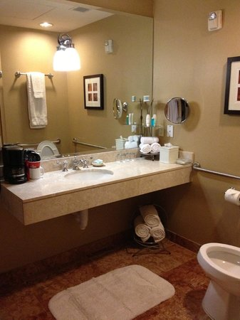 Omni Royal Crescent Hotel:                   Well-Stocked Bathrom