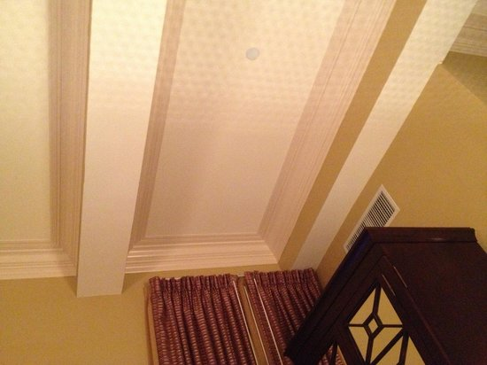 أومني رويال كريسنت هوتل:                   Awesome trey ceilings!                 