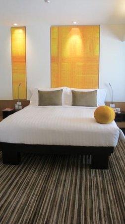 โรงแรมดุสิต ดีทู:                   chic bedroom in suite