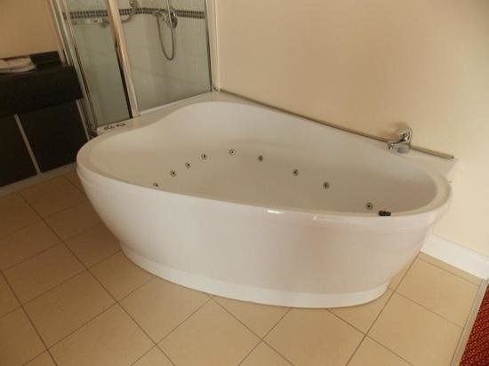 Adelphi Portrush:                   honeymoon suite