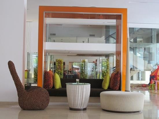 Dusit D2 Chiang Mai:                   sleek lobby of D2