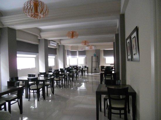 Hotel S.E.T.I.A:                   Amplio comedor