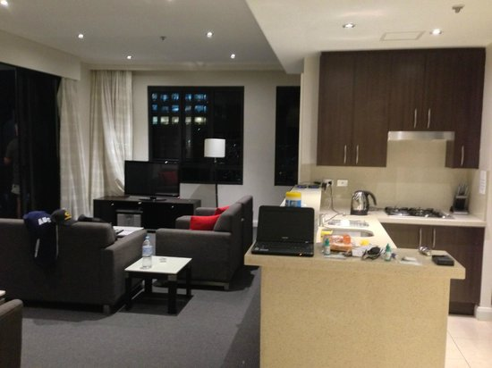 Meriton Serviced Apartments Pitt Street:                   Living Room