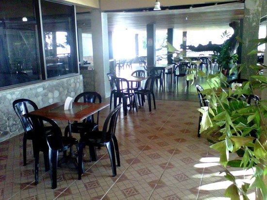 Cahuita National Park Hotel :                   Beautiful dining area