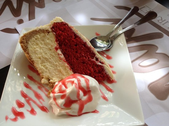 ARAXI Grill & Gourmet: red velvet cheese cake