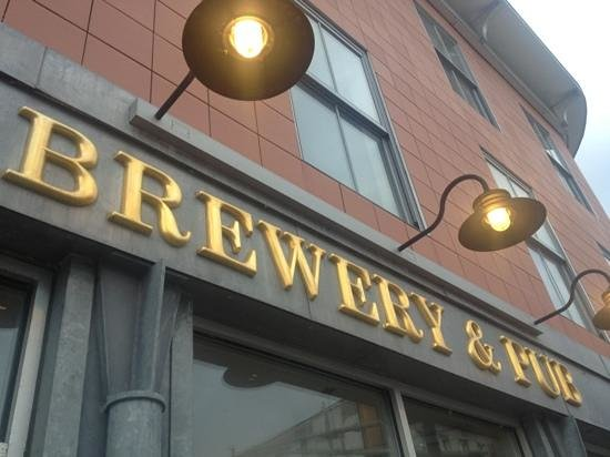 Gritty Mc Duff's Brewing Co:                   Court Street view