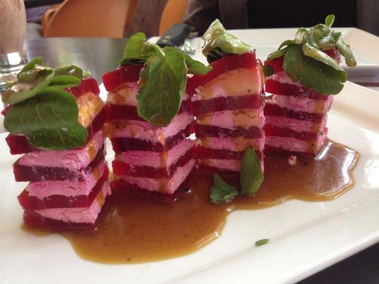 ARAXI Grill & Gourmet: ensalada de remolacha y queso de cabra
