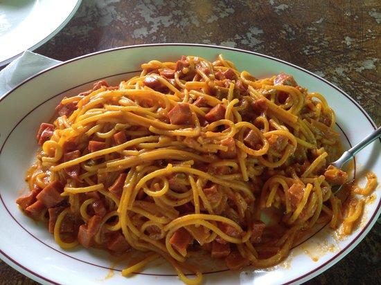 La Delphina Bed and Breakfast, Bar and Grill:                   Pasta Carbonara a'la La Delphina