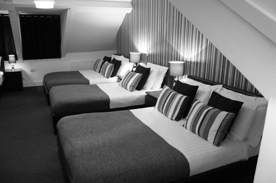 The Metropolitan: Family Room (two single and two double beds )