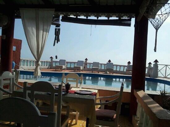 Le BouKnier Beach Hotel
