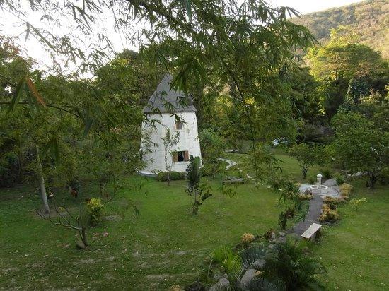 West Indies Cottage:                                     Le moulin