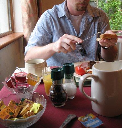 Windsor Lodge:                   Breakfast