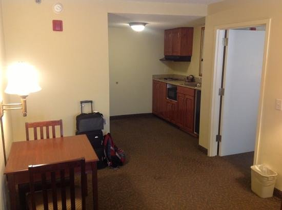 Country Inn & Suites By Carlson, Raleigh-Durham Airport :                   1bedroom suite kitchenette