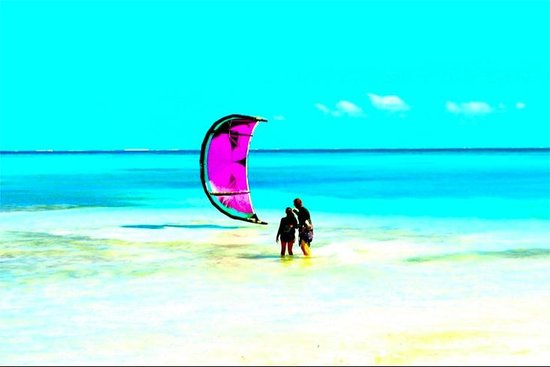 Turks and Caicos Kiteboarding : Another day at the office...
