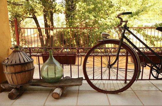Le Mas Jorel:                                     Front Porch - charming vintage decoration