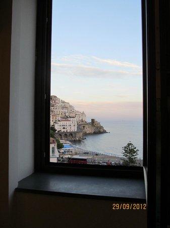 Hotel Croce di Amalfi: Vista de nosso quarto