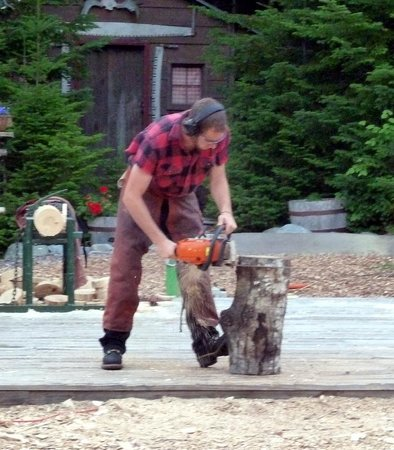 Timber Tina's Great Maine Lumberjack Show:                   Chain saw artistry