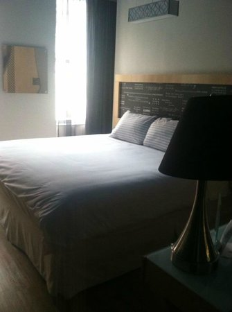 TRYP by Wyndham Times Square South:                   King size bed, upgraded room