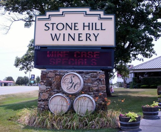 Stone Hill Winery:                   Entrance