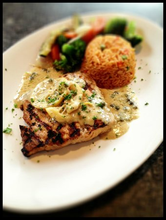 Brio's Pizzeria & Restaurant: Grilled Salmon w/ a mustard caper sauce