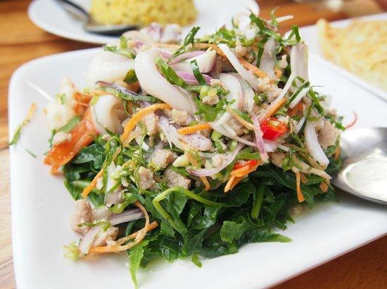 Krua Mon Khai:                   vegetable mixing
