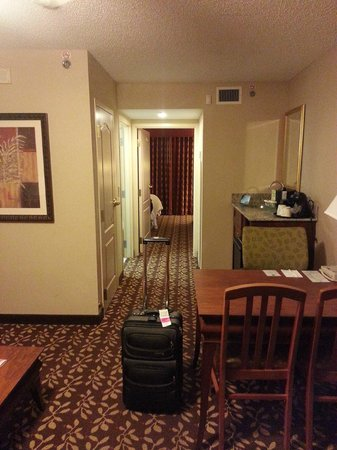 Embassy Suites by Hilton Orlando Airport:                   Room